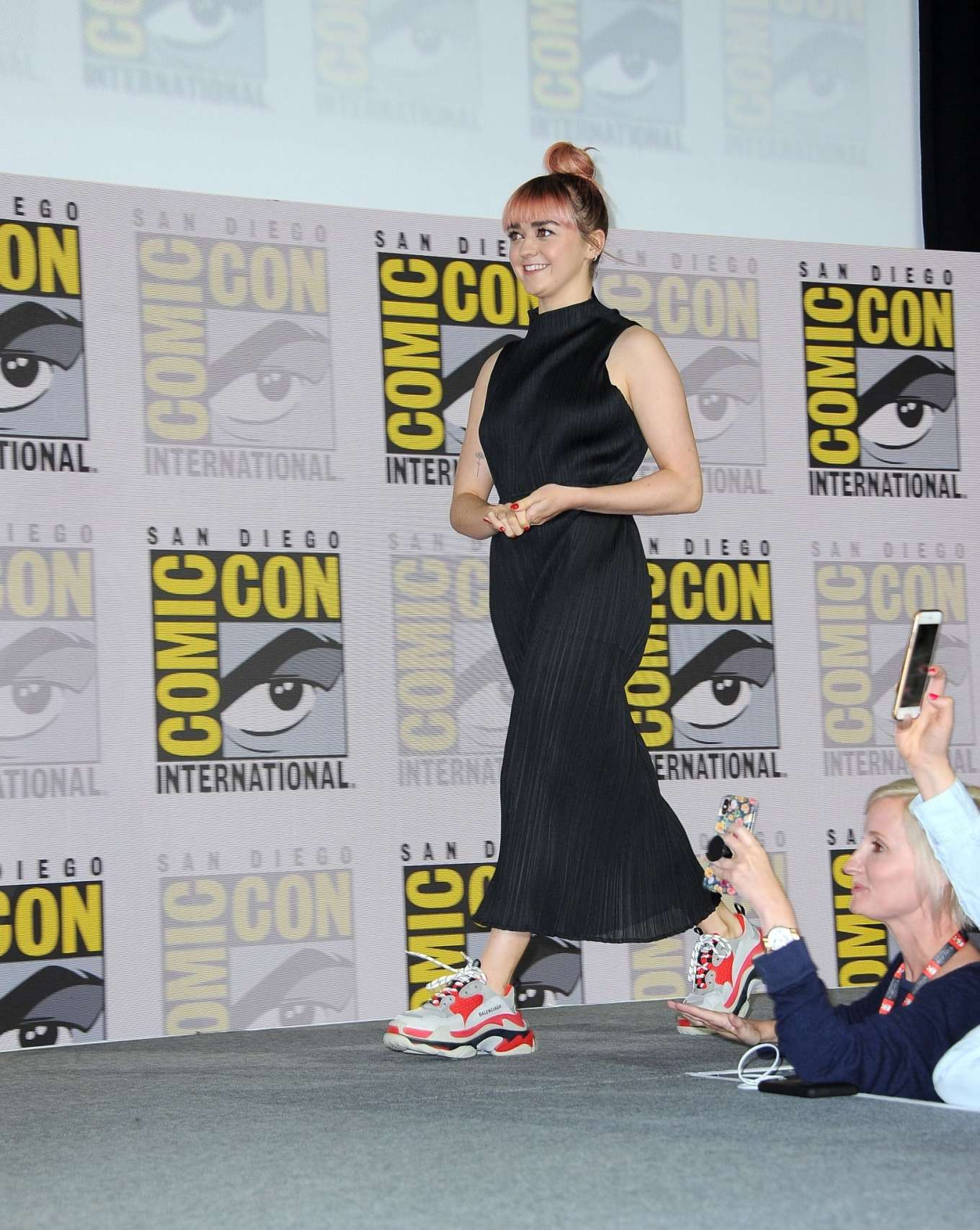 Maisie Williams 2019 : Maisie Williams – Game of Thrones Panel at Comic Con San Diego 2019-22