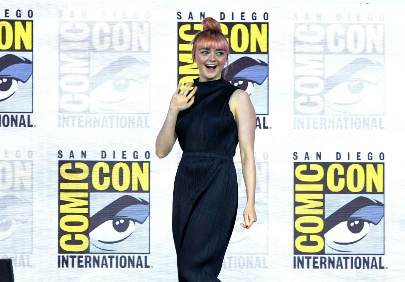 Maisie Williams 2019 : Maisie Williams – Game of Thrones Panel at Comic Con San Diego 2019-25