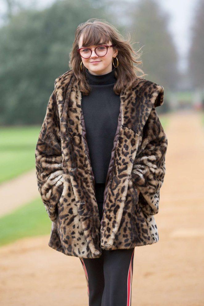 Maisie Williams in a Leopard Print Fur Coat – Visited St John's College in Cambridge