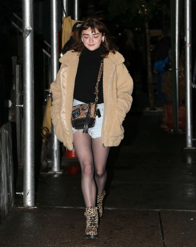 Maisie Williams in Daisy Duke Shorts - Out in New York City