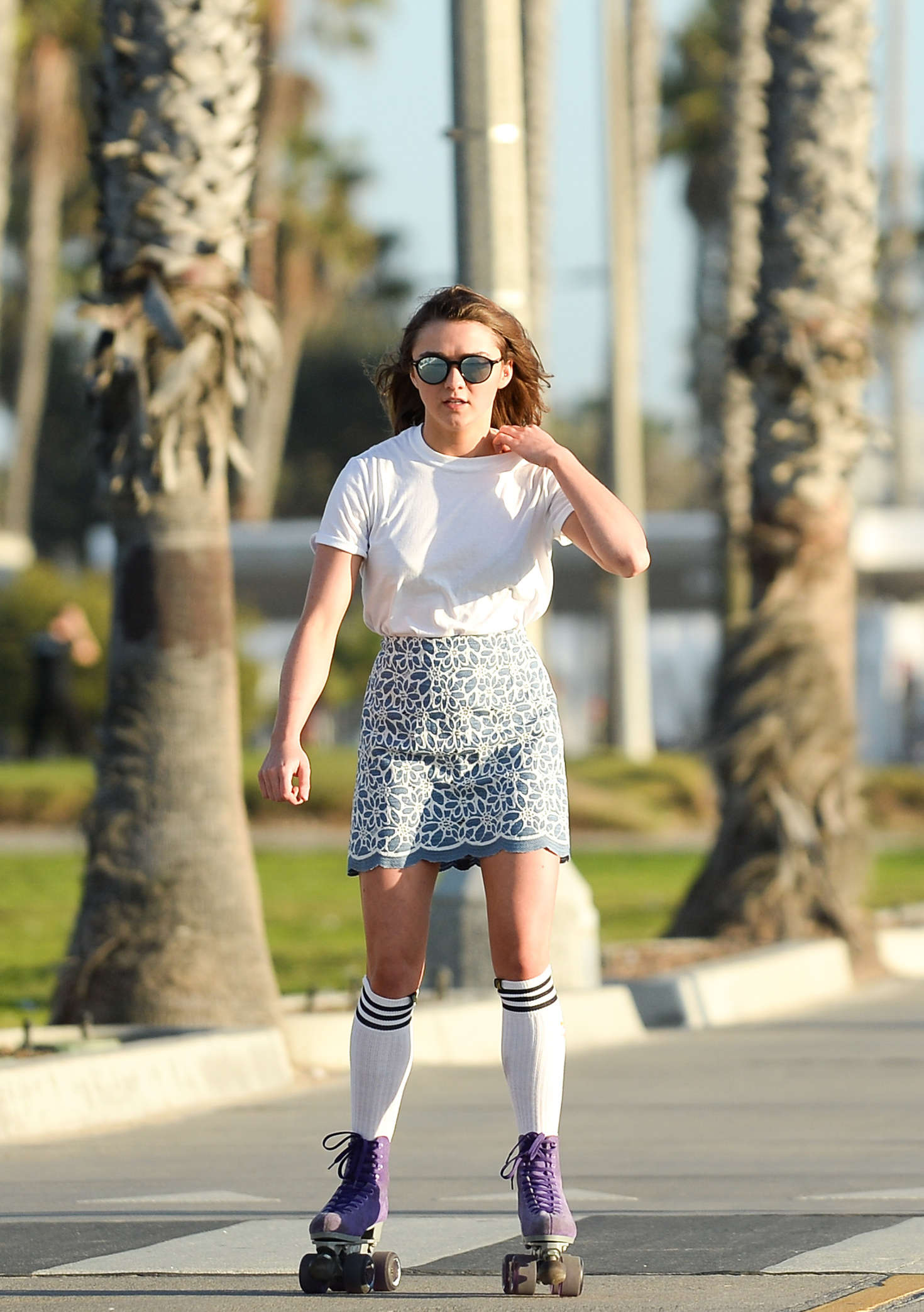 Maisie Williams 2016 : Maisie Williams in Mini Skirt Roller Skating -02