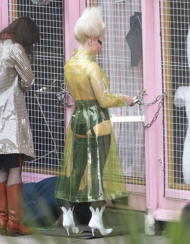 Maisie Williams - On the set dressed as Vivienne Westwood in London