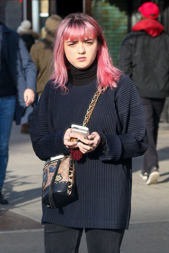 Maisie Williams – Out in New York City