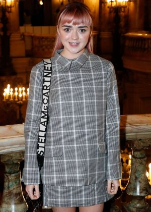 Maisie Williams - Stella McCartney Fashion Show in Paris