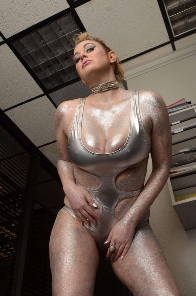 Maitland Ward on the set of All Time Comics trailer -25