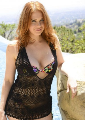 Maitland Ward - Portraits at Celebrities Visit The SAP in LA