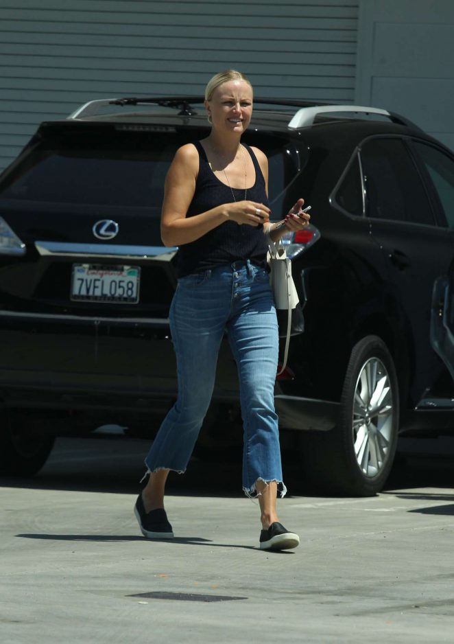 Malin Akerman - Arriving at an office in Hollywood