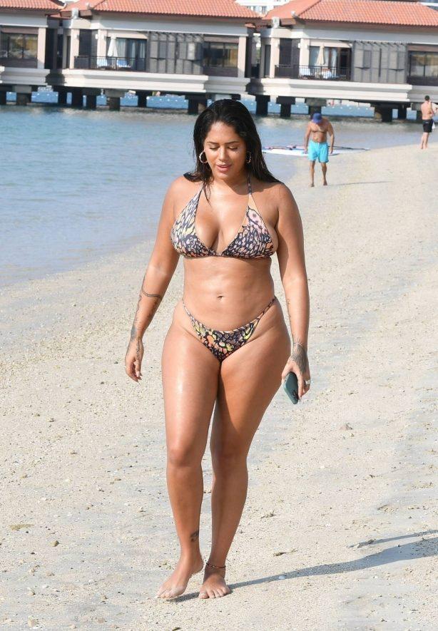 Malin Andersson - In a bikini in Dubai