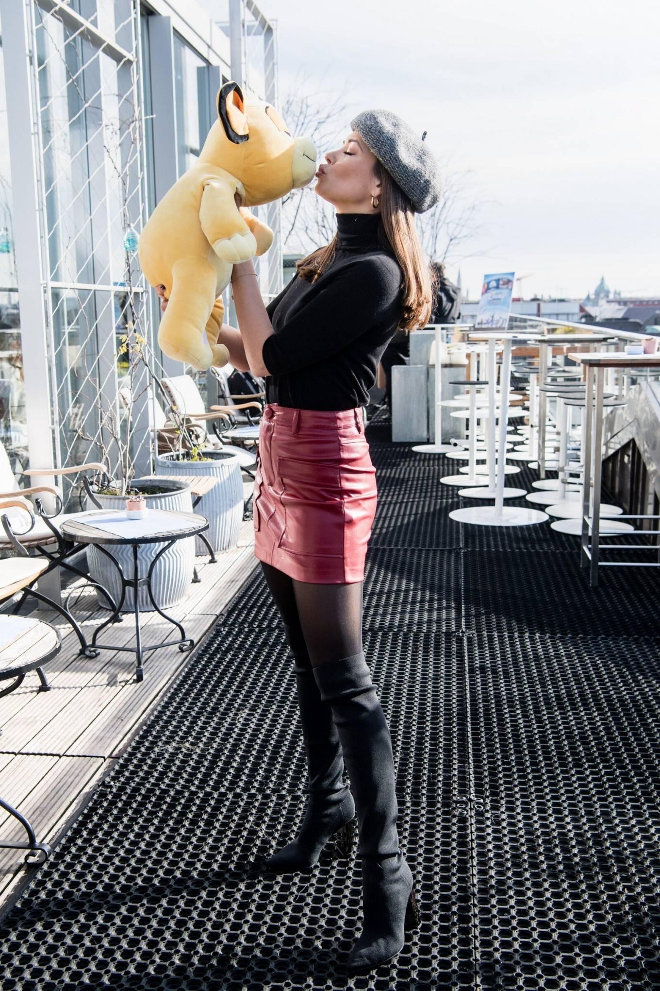 Mandy Capristo 2020 : Mandy Capristo – Disney in Concert photoshoot-01