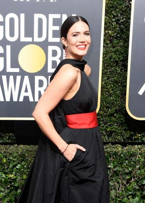 Mandy Moore - 2018 Golden Globe Awards in Beverly Hills