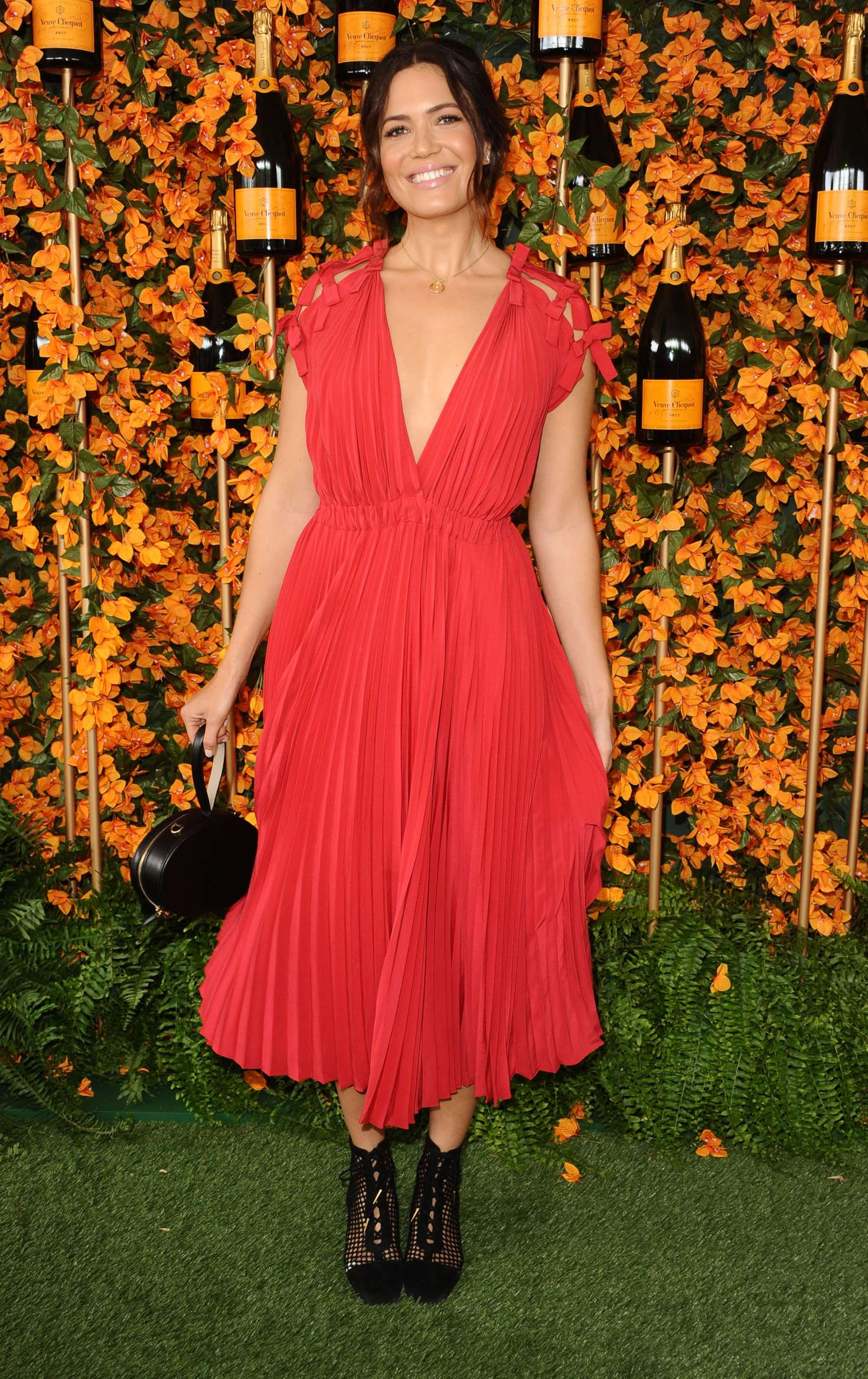 Mandy Moore – 2018 Veuve Clicquot Polo Classic In Los Angeles
