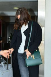 Mandy Moore - Arrives at LAX Airport in Los Angeles