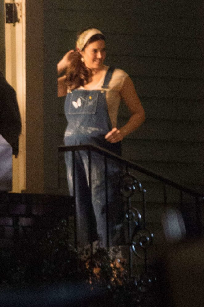 Mandy Moore - Filming 'This is Us' in Los Angeles