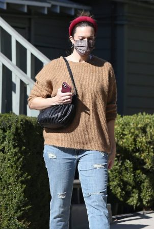 Mandy Moore - Gets tested for COVID after mourning the unexpected loss of her dog in LA