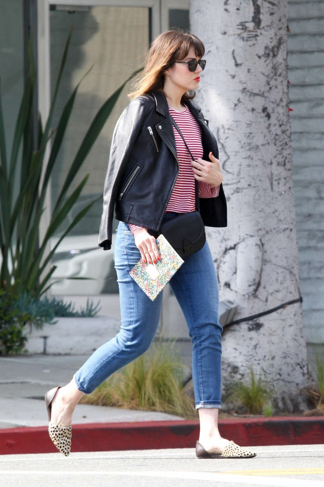 Mandy Moore in jeans -05