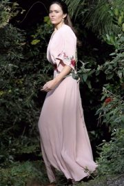 Mandy Moore in Pink Dress - On the set of 'This is Us' in Los Angeles
