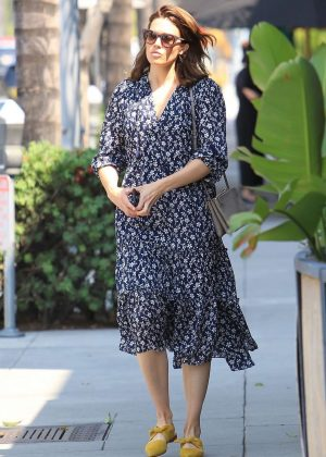 Mandy Moore - Leaves a nail salon in Beverly Hills
