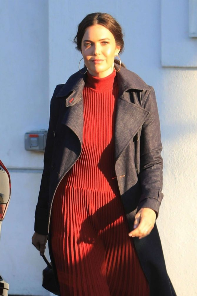 Mandy Moore – Leaving a beauty salon in Beverly Hills