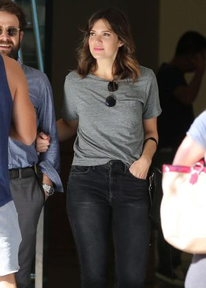Mandy Moore Leaving The Grove in Los Angeles