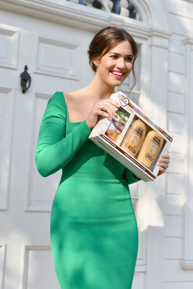 Mandy Moore - Mandy Moore and Garnier Whole Blends Support UNICEF in LA