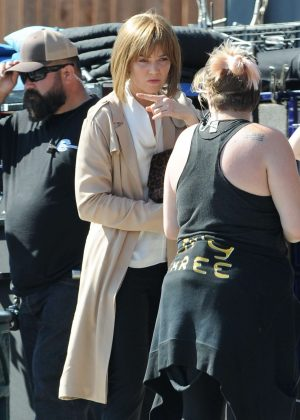 Mandy Moore on the set of 'This Is Us' in Los Angeles