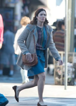 Mandy Moore - On the set of 'This is Us' in Los Angeles