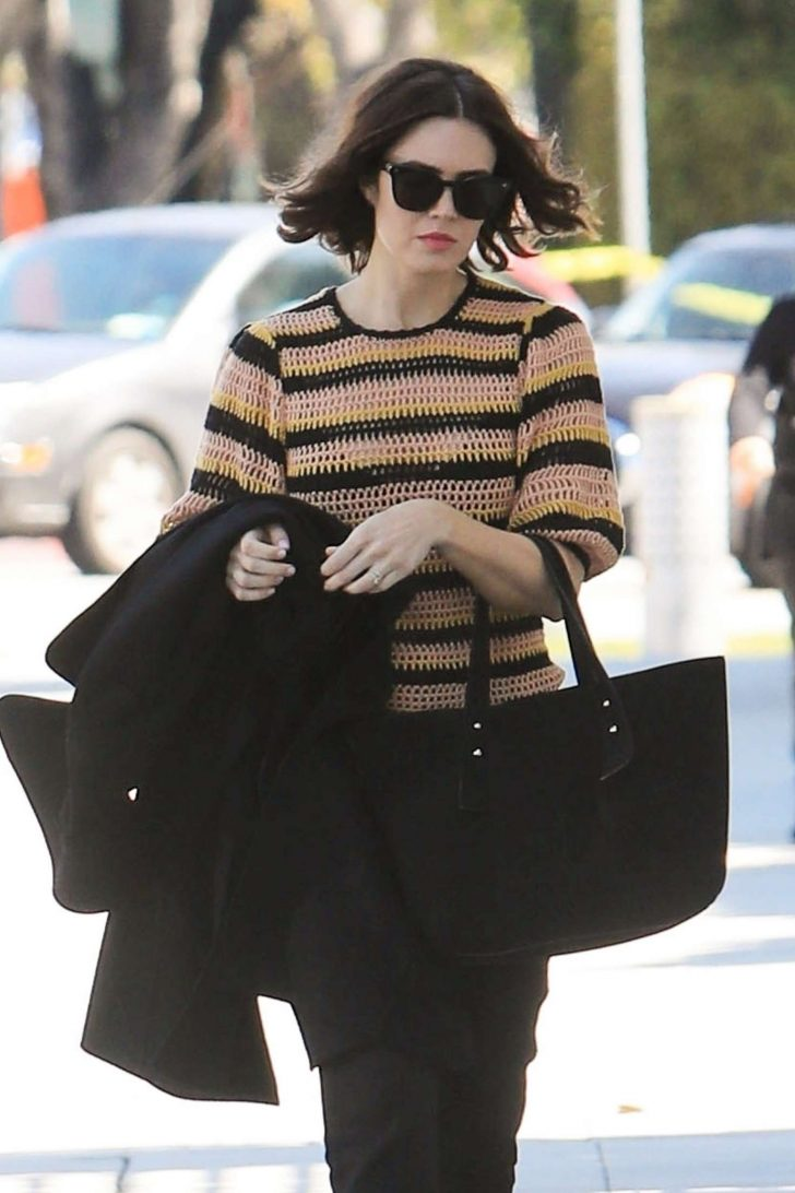 Mandy Moore: Out and about in Beverly Hills -08