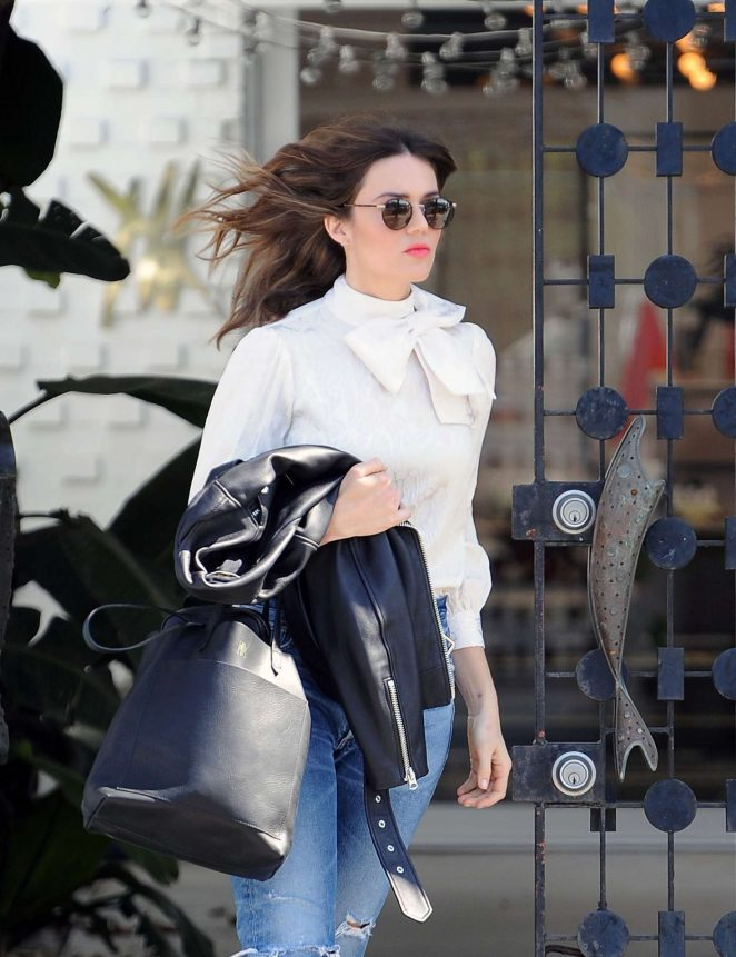 Mandy Moore out in Beverly Hills -05