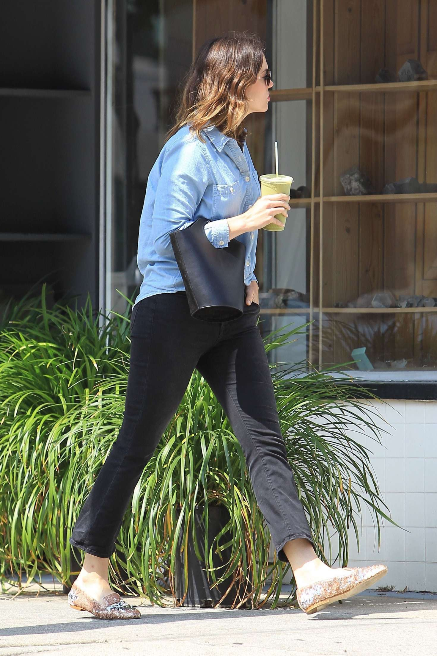 Mandy Moore out in Hollywood   Mandy-Moore-out-in-Hollywood--09