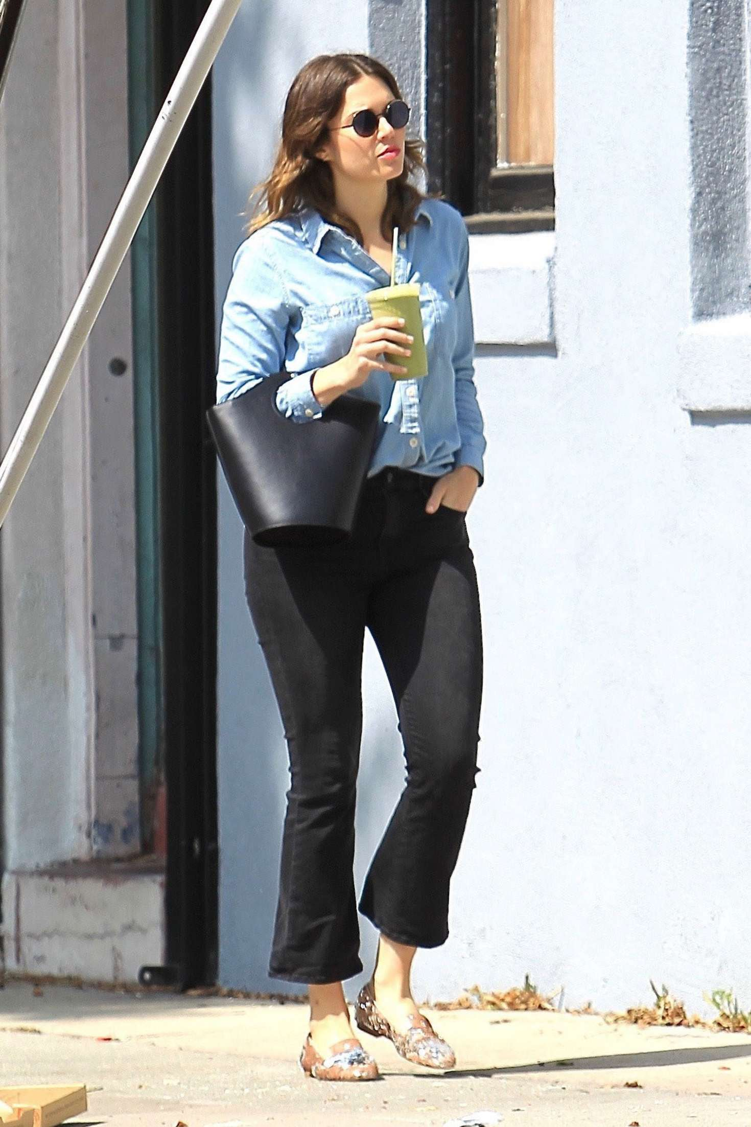 Mandy Moore out in Hollywood   Mandy-Moore-out-in-Hollywood--13