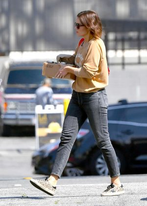Mandy Moore - Out in Los Angeles