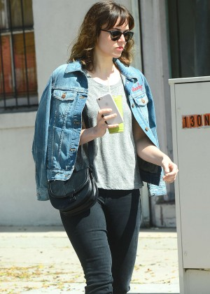 Mandy Moore Wears out in LA