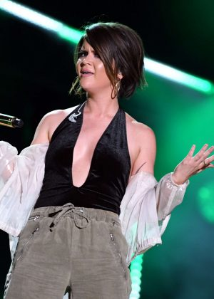 Maren Morris - 2017 CMA Music Festival Nightly Concert in Nashville