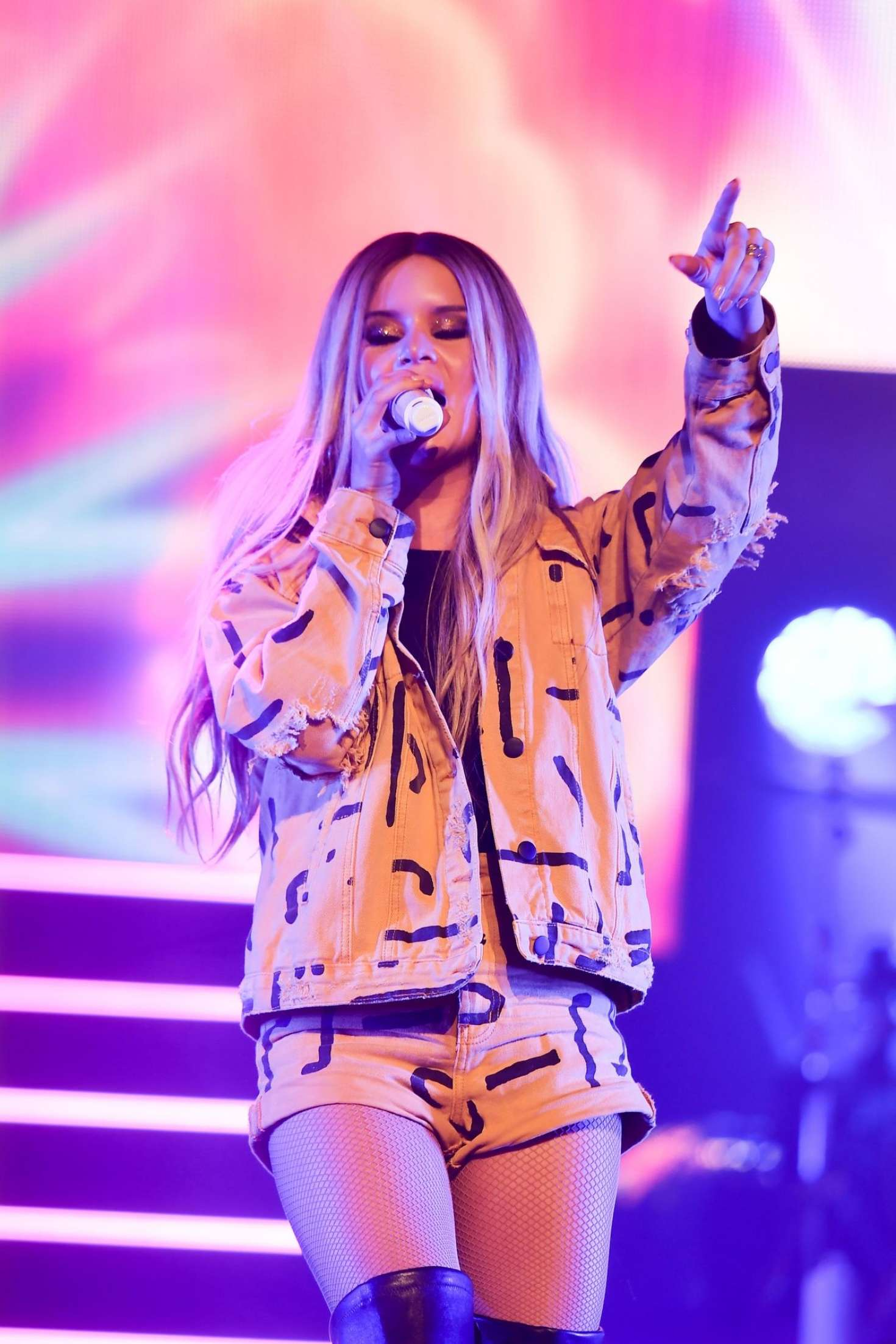 Maren Morris - Performing at The Wiltern in LA