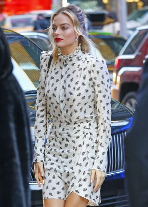 Margot Robbie - Arrives at Good Morning America in New York