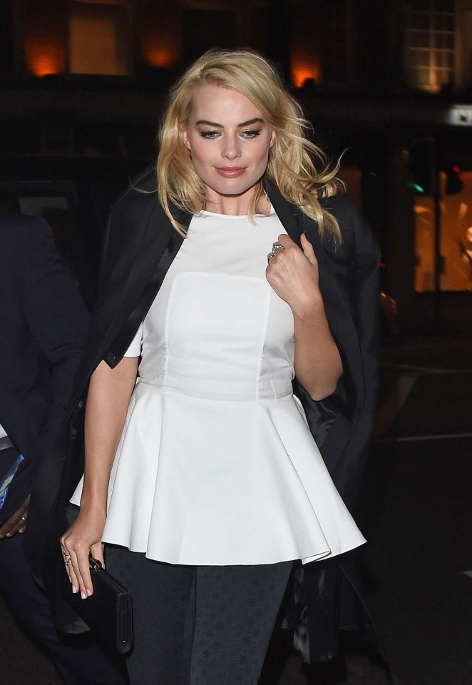 Margot Robbie – Arrives at her Hotel in London