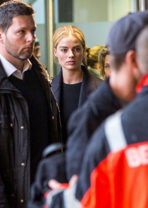 Margot Robbie - Arriving at Berlin Tegel Airport in Berlin