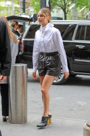 Margot Robbie - Arriving to the Hulu Upfronts in NYC