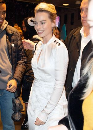 Margot Robbie - Attends a screening of 'Mary Queen of Scots' in New York