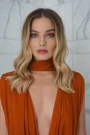 Margot Robbie - Bryce Scarlett BTS Photoshoot 2019