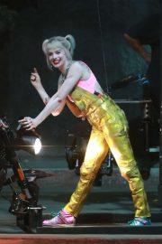 Margot Robbie - Filming 'Birds of Prey' in Los Angeles