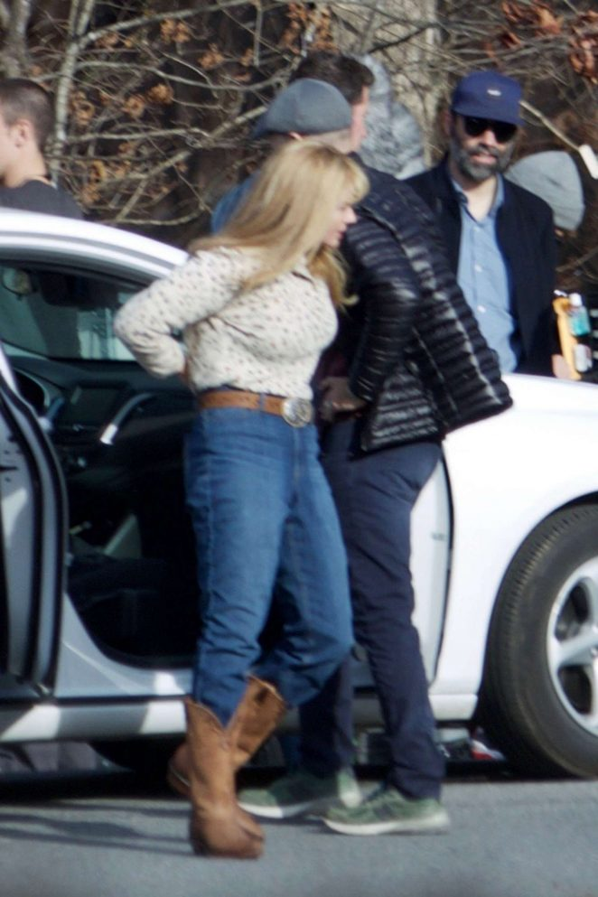 Margot Robbie - Filming 'I, Tonya' set in Atlanta