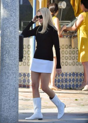 Margot Robbie In Mini Skirt Filming Once Upon A Time In