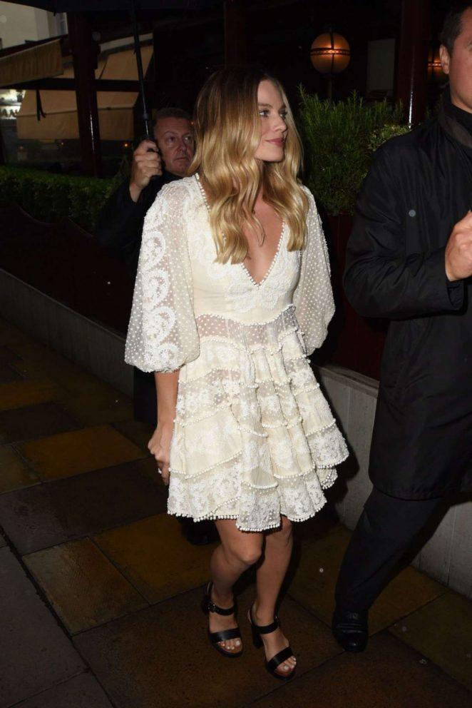 Margot Robbie in White Dress -03