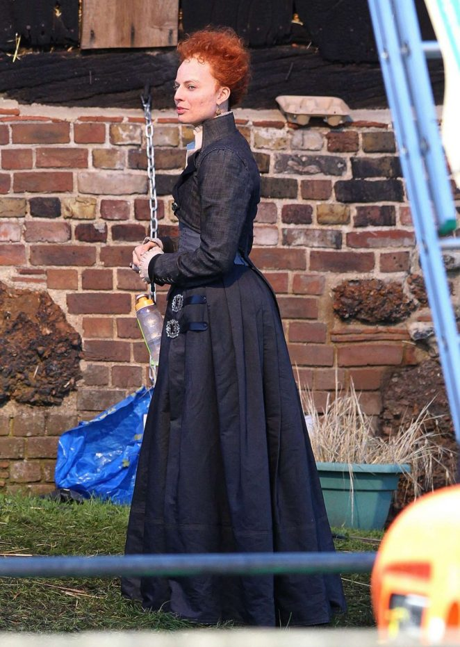 Margot Robbie on the set of Mary Queen Of Scots Movie -08