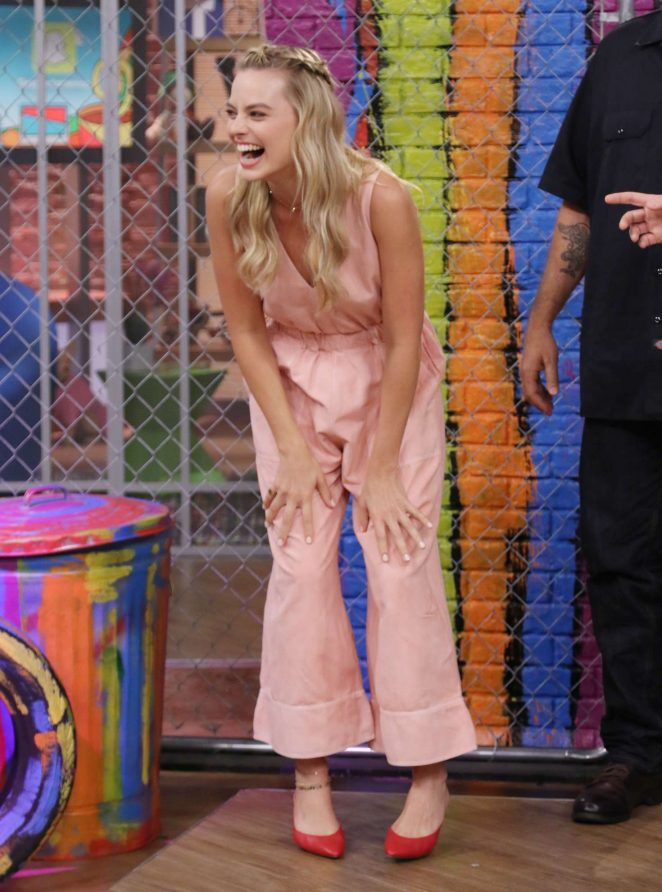 Margot Robbie: On the Set of Univisions Despierta America -31