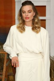 Margot Robbie - 'Once upon a time' Photocall in Hollywood