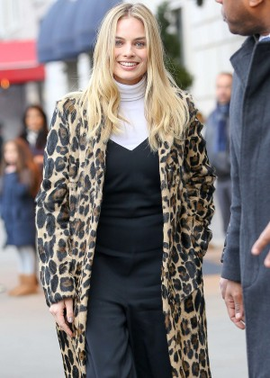 Margot Robbie - Out and about in New York City