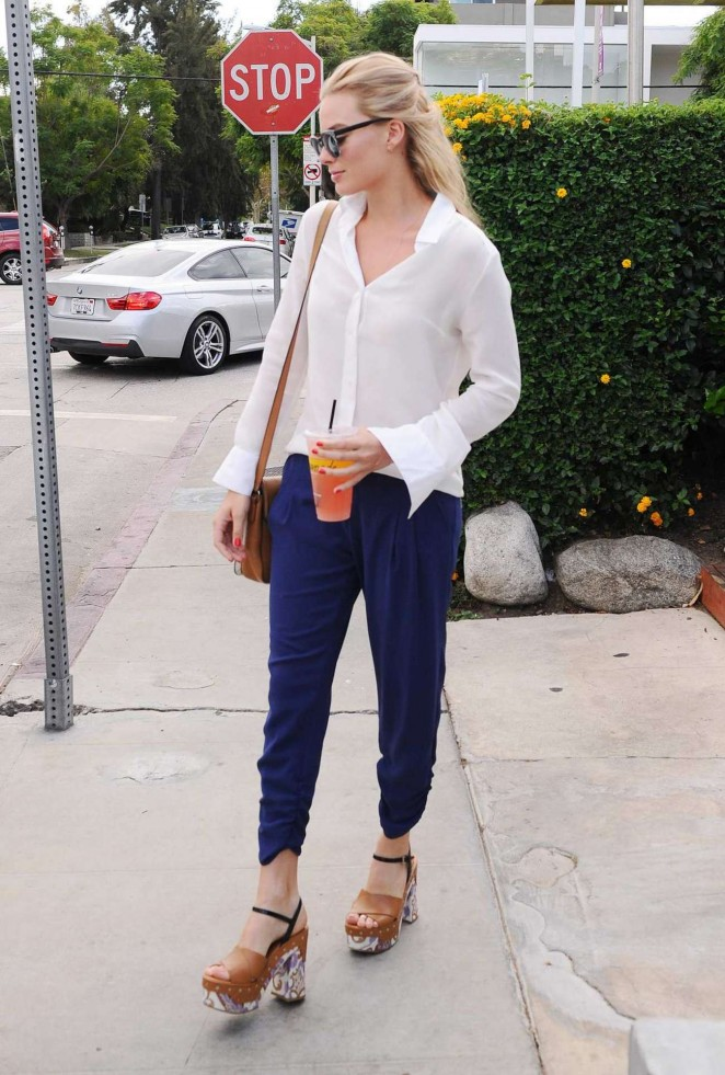 Margot Robbie out in LA