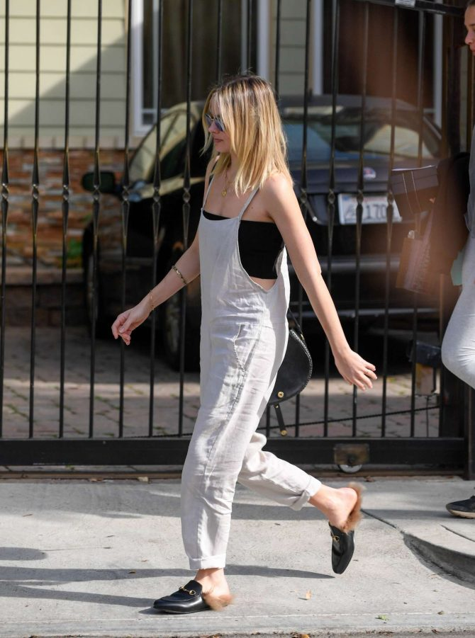 Margot Robbie: Out in Los Angeles -10